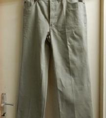Traperice - hlače svijetlo zelene boje nove.