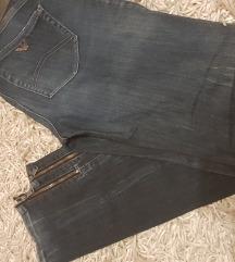 Armani jeans traperice ženske 36 (400kn)