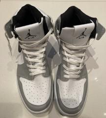 Air Jordan 1 Mid Grey Nove