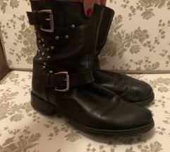 Crne cizme s zakovicama (prava koža)