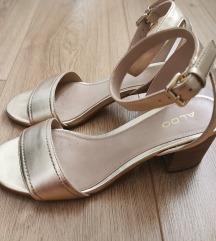 Zlatne Aldo sandale