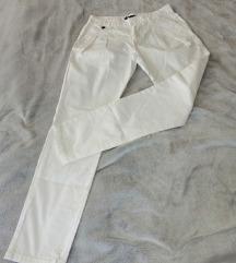 Zara bijele chino hlace...slanje u cijeni