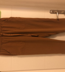 Baggy hlače Zara
