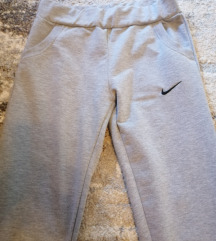 Nike trenirka novo!