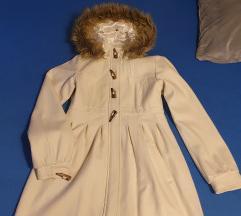 Bijeli zimski kaput