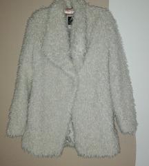 Čupava bijela tanka jakna