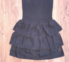Crna kratka haljinica sa volanima