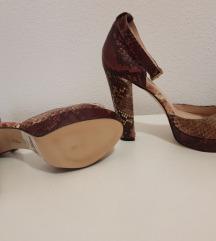 Nove cipele na petu Mila Paoli