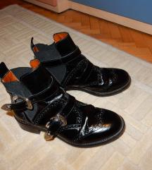 pinko kozne cizme s remenima do gleznja