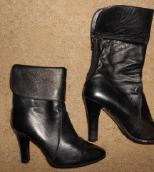 SNIŽENO!!! crne kožne čizme (pt dijelimo po pola)