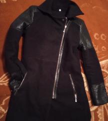 Novi kaput sa detaljima