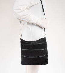 Unikatna crna kožna torbica