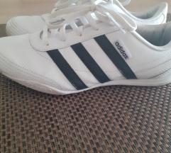 Adidas original tenesice