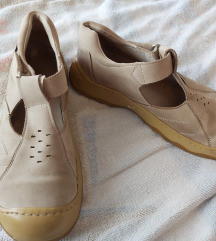 Cipele 38 -50% sad40kn
