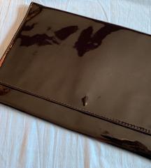 Crna lakirana pismo torba