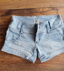 TRF kratke traper hlačice