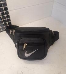 %% Nike kožna torbica