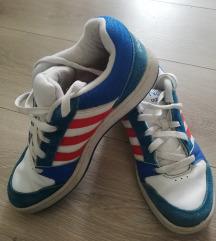Adidas NEO 37