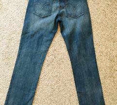 Levis demi curve straight leg traperice W29