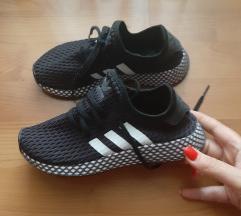 Adidas derrupt
