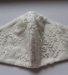 Ručno rađena bijela satenska vezena maska za lice