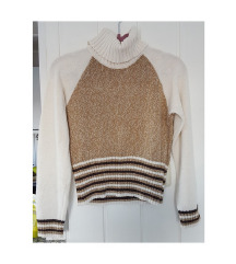 Džemper u nude bojama