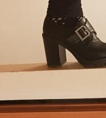 Cipele goth sa uljucenom postarinom