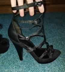 Crne sandale na remencice vel 38