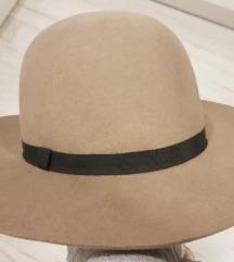Free People šešir *novo*