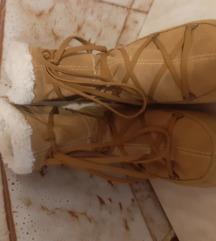 Moon boot čizme br.39 250kn