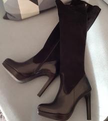 Potpuno nove čizme, visoka peta