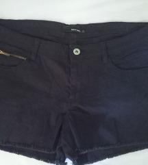 Kratke crne hlačice