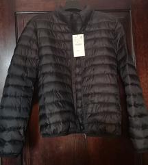 Zara nova jakna veličina S