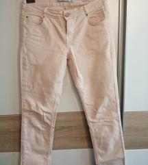 nove svjetle traperice Zara