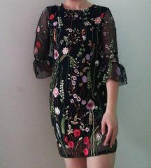 Haljina s ušivenim cvjetićima