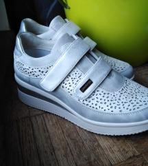 !!! AKCIJA!!! LolaFerres cipele 35