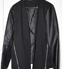 Snizenje jaknica sa kožnim detaljima!!!