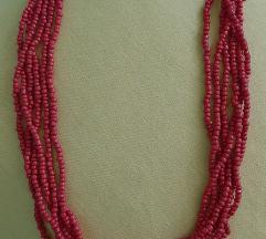Prodajem  crvenu ogrlicu-30 kn