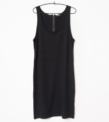 Jednostavna crna haljinica broj 46