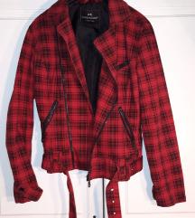 Karirana crno crvena jakna