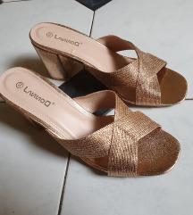 Zlatne sandale NOVO