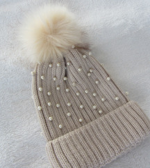 Zimska kapa s perlicama