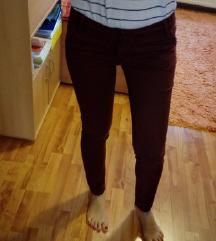 %Tamnije bordo hlače%