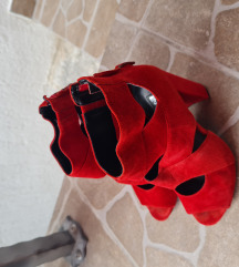 Sandale na petu Guess