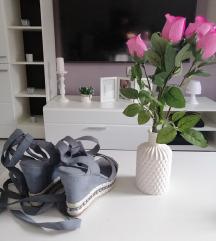 Nove sandale broj 41