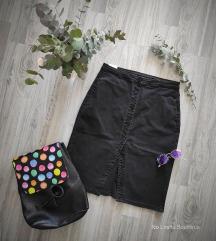 Crna traper suknja s elastinom