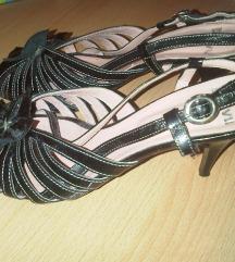 Crne lakirane sandale od prave kože br.40