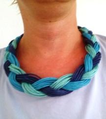 Plava statement ogrlica