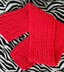 Crveni zimski šal(rad po narudžbi)