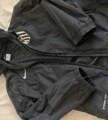 Nike šuškavac vjetrovja jakna